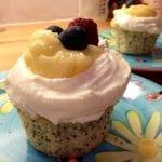 Citroncupcake med vallmofrö, lemon curd och mascarpone frosting