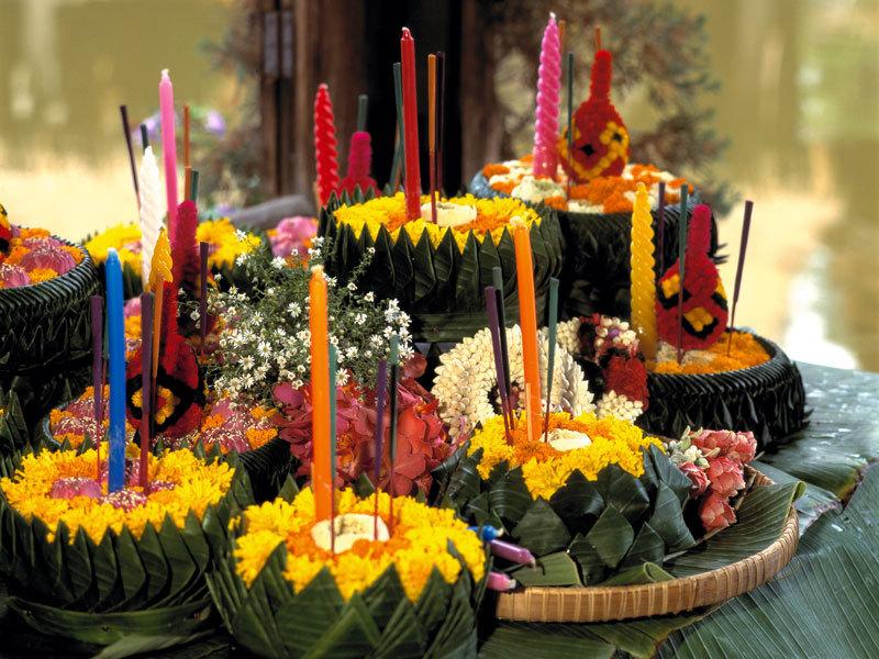 1290500113_decorated-krathong